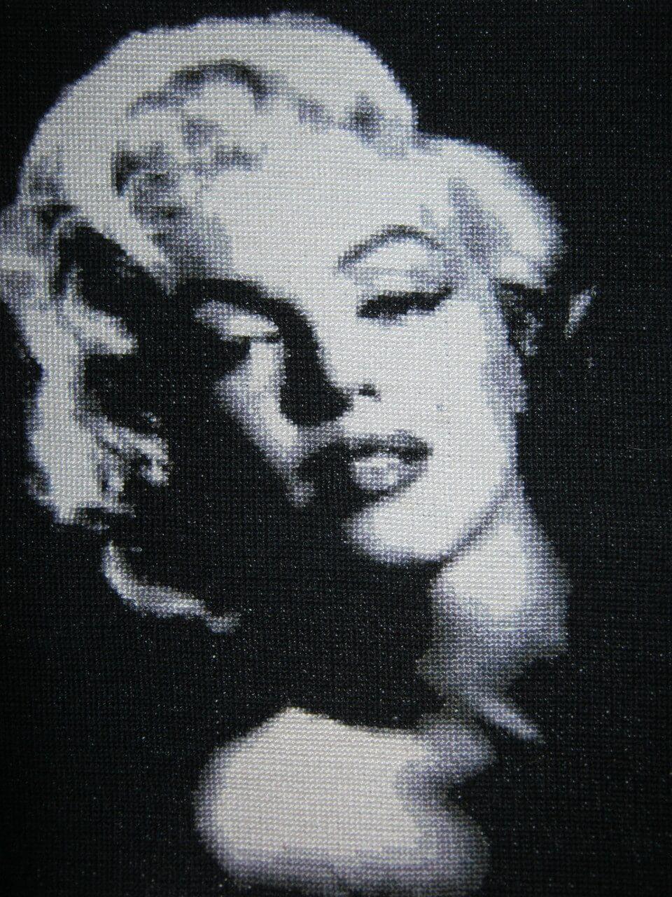 Схемы вышивки «Мерлин Монро» (стр. 1) - Вышивка крестом 84